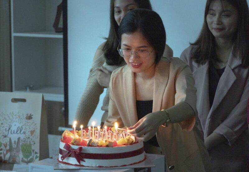 Hải Linh chúc mừng sinh nhật CBNV quý IV năm 2020